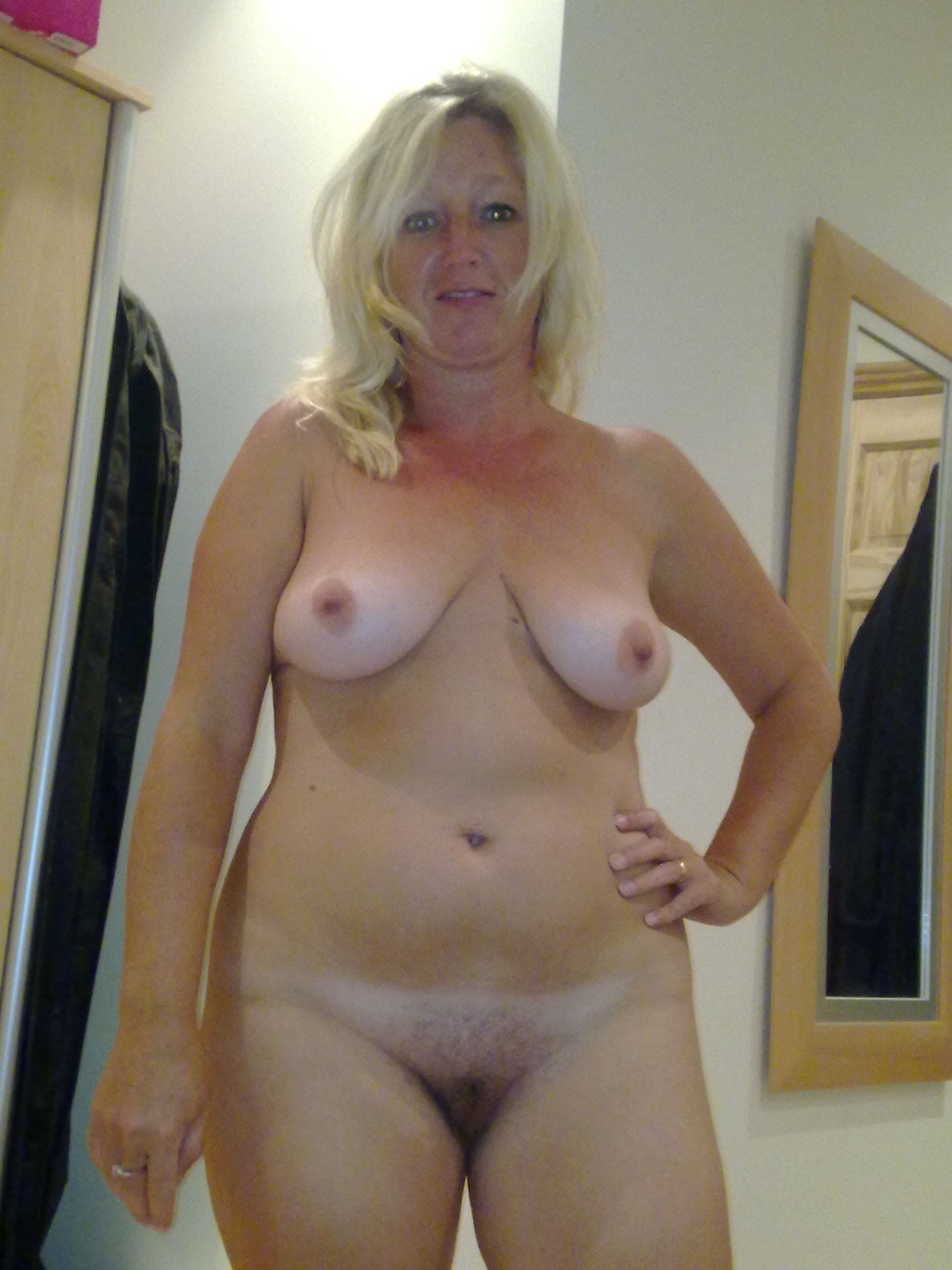 Free busty milf galleries